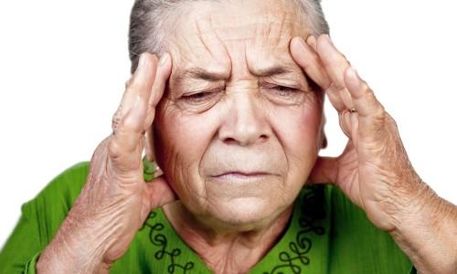 Боль при панкреатите возникает в результате повышенной активности ферментов железы, которые начинают атаковать собственные клетки